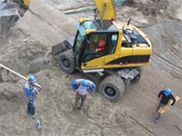 construction workers 200x150